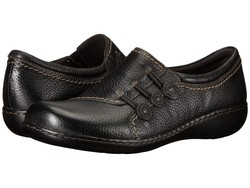 Clarks Women Black Leather Ashland Effie Loafers - Thumbnail