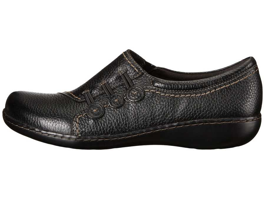 Clarks Women Black Leather Ashland Effie Loafers