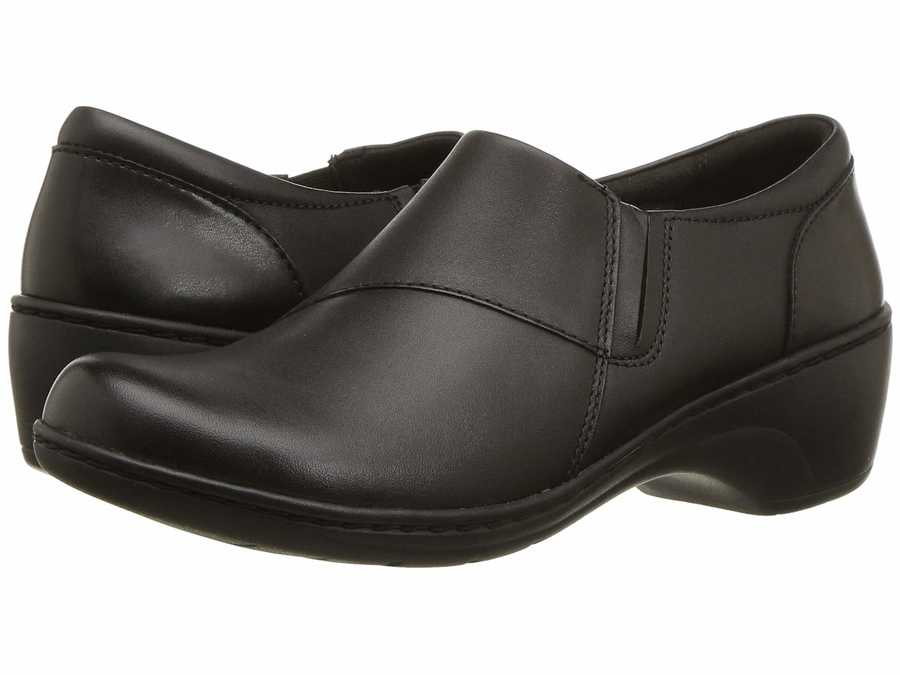 Clarks Women Black Leather Channing Fiona Loafers