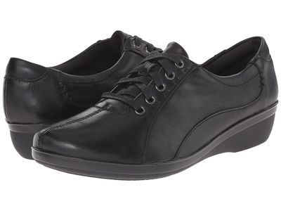 Clarks - Clarks Women Black Leather Everlay Elma Oxfords