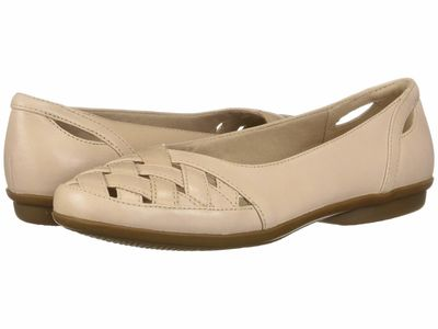 Clarks - Clarks Women Blush Pink Leather Gracelin Maze Flats