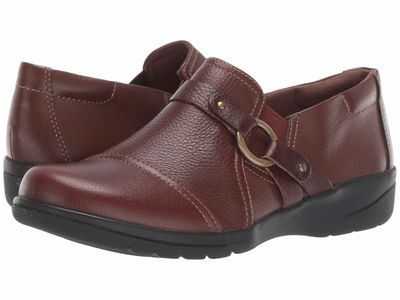 Clarks - Clarks Women Mahogany Tumbled Leather Cheyn Fame Loafers