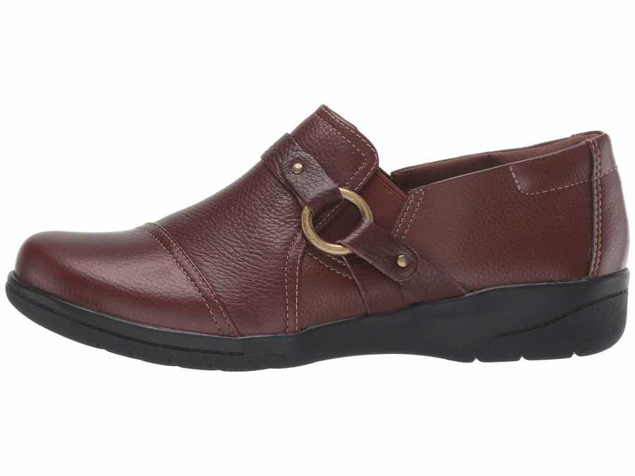 Clarks Women Mahogany Tumbled Leather Cheyn Fame Loafers