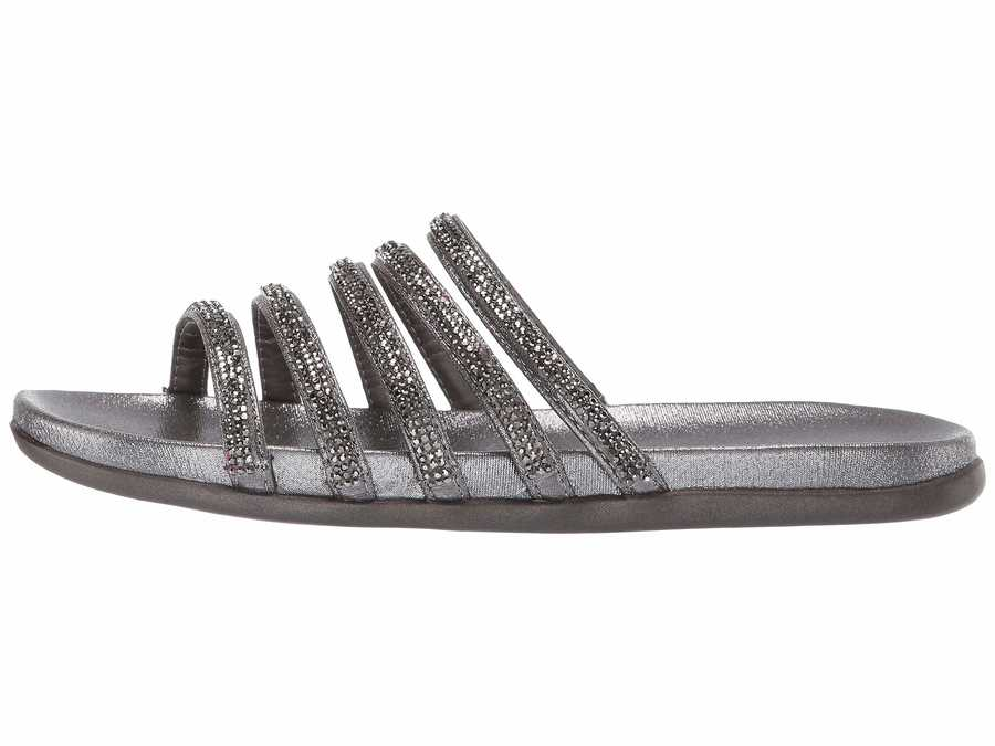 Kenneth Cole Reaction Women Pewter Slim Shimmer Flat Sandals