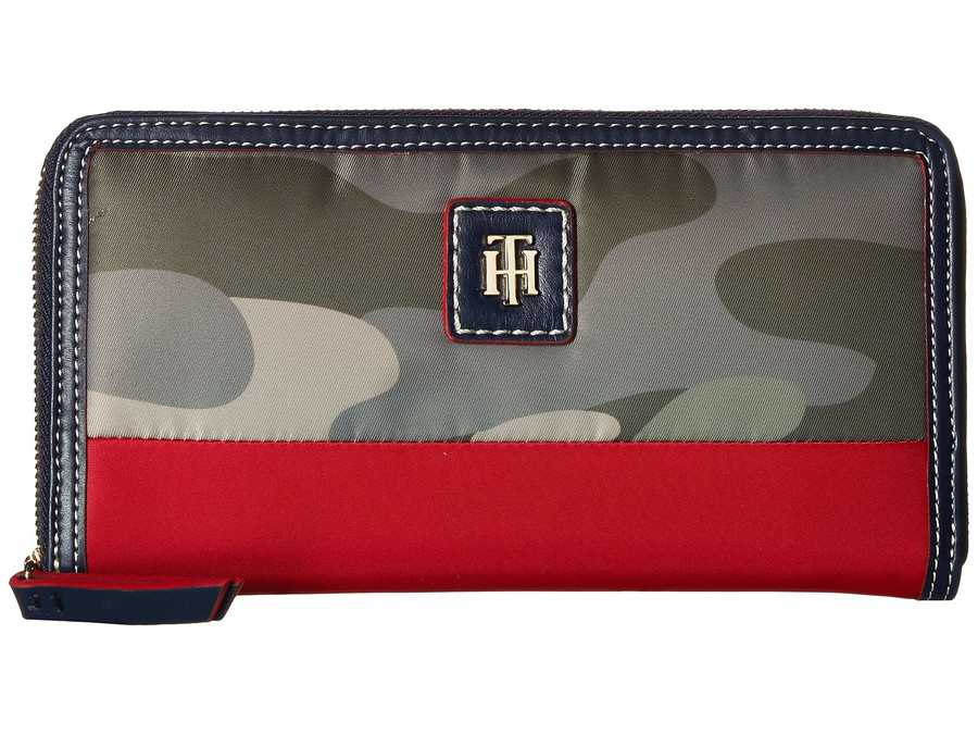 Tommy Hilfiger Green Julia Large Zip Wallet Camo Color Block Checkbook Wallet